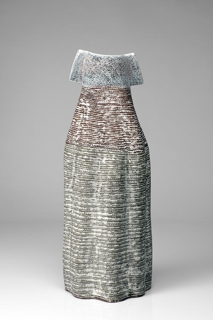 Figur, Steinzeug mit Porzellaninlays