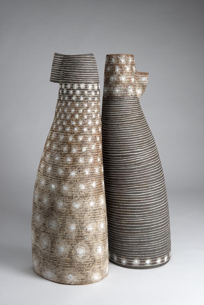 Paar, Steinzeug mit Porzellaninlays