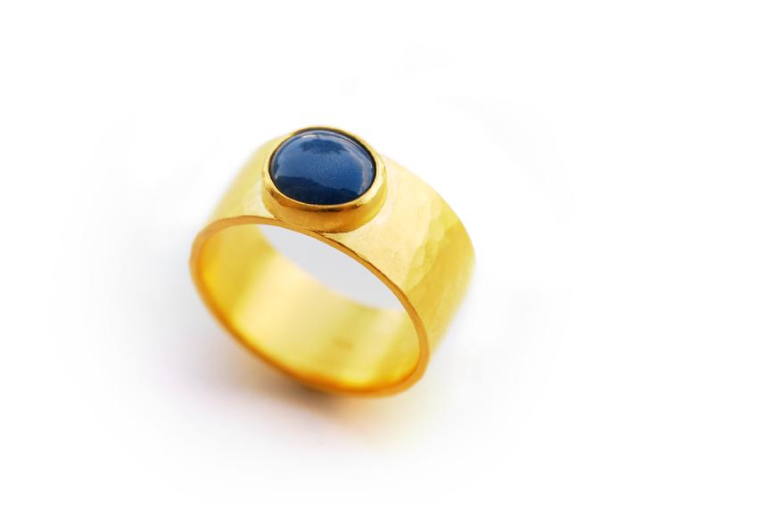 Ring breit, 925'iger Silber-goldplattiert mit Porzellan, um 140€