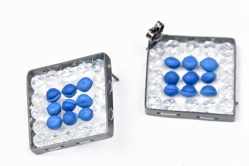 Ohrstecker Frame, 925iger Silber, Bergkristall und Porzellan, um 120€