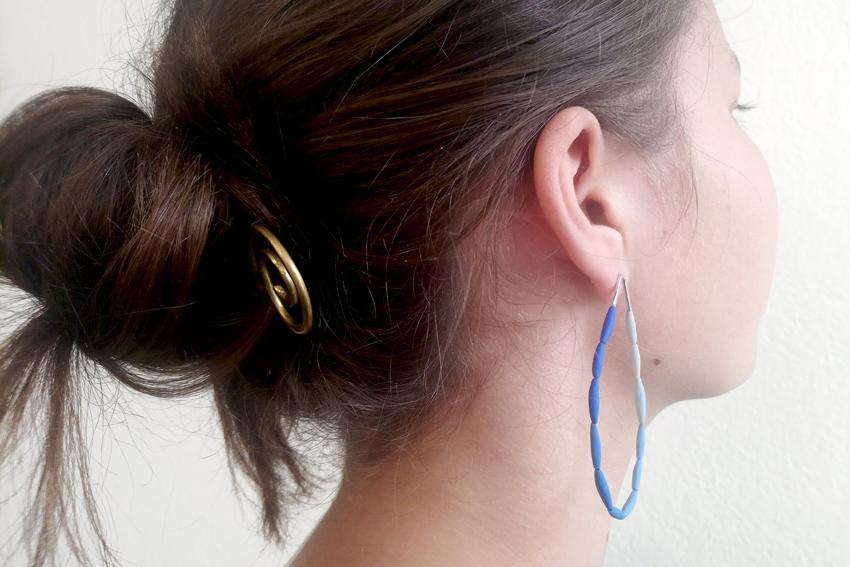 Ohrring String-getragen, um 85€